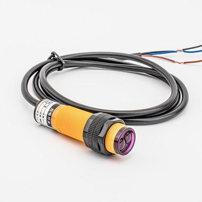 E3F 系列 - M18圆柱形光电开关